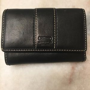 Small wallet coach